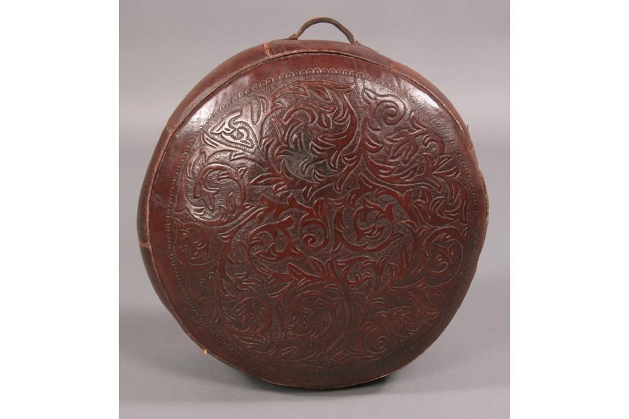 Phenomenal Vintage Round Leather Ottoman Beatyapartments Chair Design Images Beatyapartmentscom