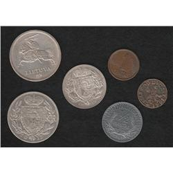 Lot of five pieces