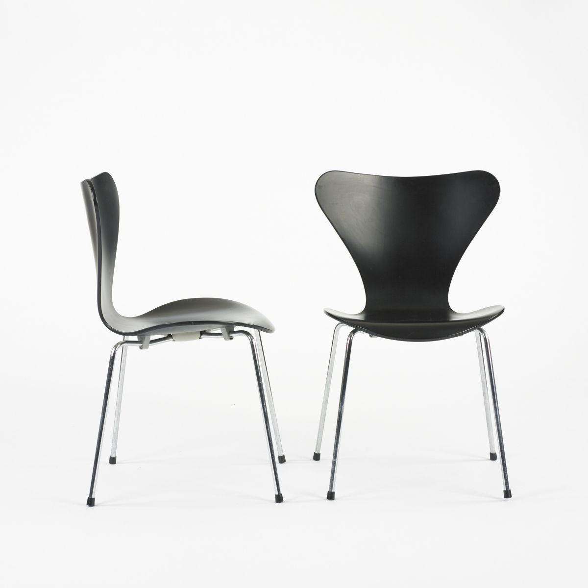 Arne Jacobsen Sevener chairs model 3107, pair