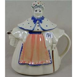 VINTAGE SHAWNEE GRANNY ANN TEAPOT - No Chips or Cr
