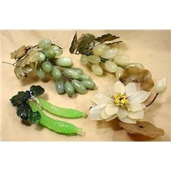 LOT OF VINTAGE GLASS FRUIT AND FLOWERS