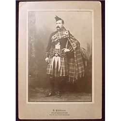 ANTIQUE CABINET CARD PHOTO SCOTTISH MAN IN TRADITI