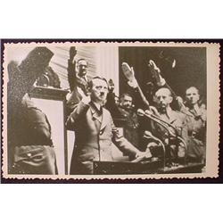 WW2 NAZI GERMAN ADOLF HITLER PHOTO - HITLER GIVING