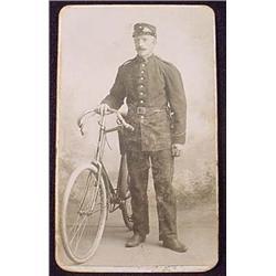 RARE ANTIQUE CDV PHOTO OF POLICEMAN W/ BICYCLE - R