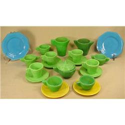 LOT OF 21 VINTAGE ACRO AGATE CHILDREN'S DISHES - N