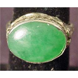 VINTAGE JADE AND SILVER RING MARKED 20K - BEAUTIFU