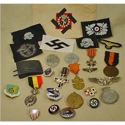 LARGE LOT OF MILITARY INSIGNIA, BADGES, MEDALS, MO
