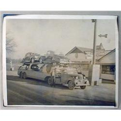VINTAGE PHOTO RAY'S RESTAURANT - UNUSUAL CAR HAULE