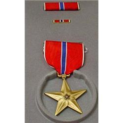 U.S. BRONZE STAR IN CASE