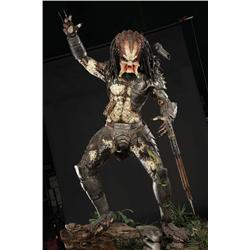 "Full-size ""Predator"" display from Predator and Predator 2"