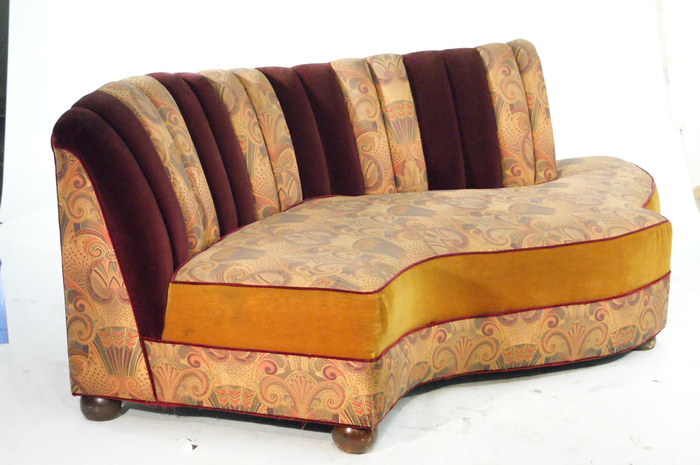Vintage Jazz Style Kidney Shaped Art Deco Sofa With Shell Back