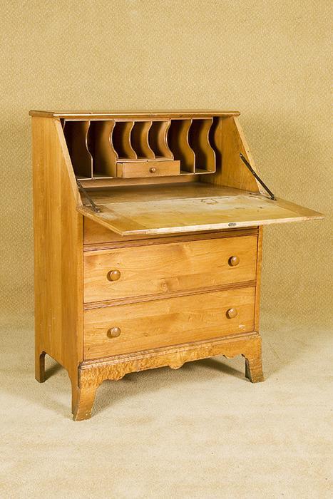 bd40e29b86d8 ... Image 2   Vintage Blonde Secretary Desk with 3 Drawers
