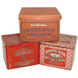 Cracker & biscuit tins & box from Davenport & Dubuque, IA, Daintie Soda White House Brand tin from D