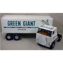ERTL GREEN GIANT SEMI TRUCK AND TRAILER