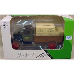 ERTL JOHN DEERE TRUCK BANK IN ORIGINAL BOX - 1/34
