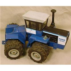 VINTAGE FORD FW-60 TRACTOR
