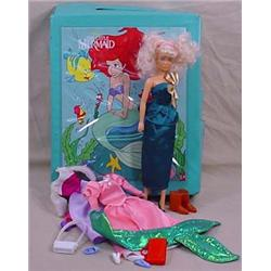 THE LITTLE MERMAID CARRYING CASE W/ DOLL AND CLOTH