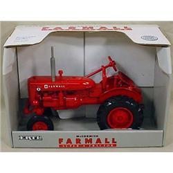 ERTL MCCORMICK FARMALL SUPER A TRACTOR IN ORIGINAL
