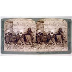 ANTIQUE STEREOVIEW PHOTO CARD OF LEPERS OUTSIDE JE