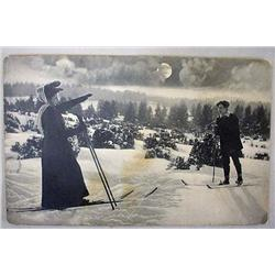 EARLY PHOTO POSTCARD OF PEOPLE SKIING - INCL. VICT