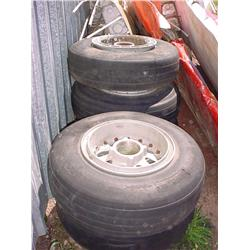 4 tires with rims for Albatross