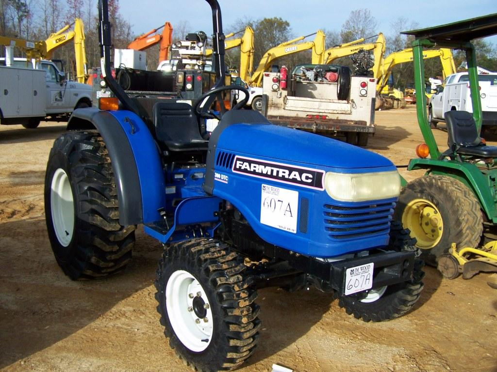 UNUSED FARMTRAC 300 DTC 4X4 FARM TRACTOR