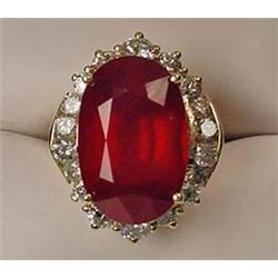 14K GOLD LADIES RUBY AND DIAMOND RING - Comes with
