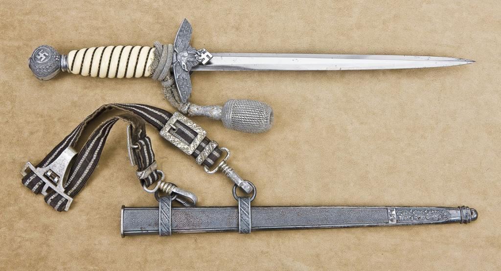 Nazi Luftwaffe dagger with scabbard, hanger and knot cord  This