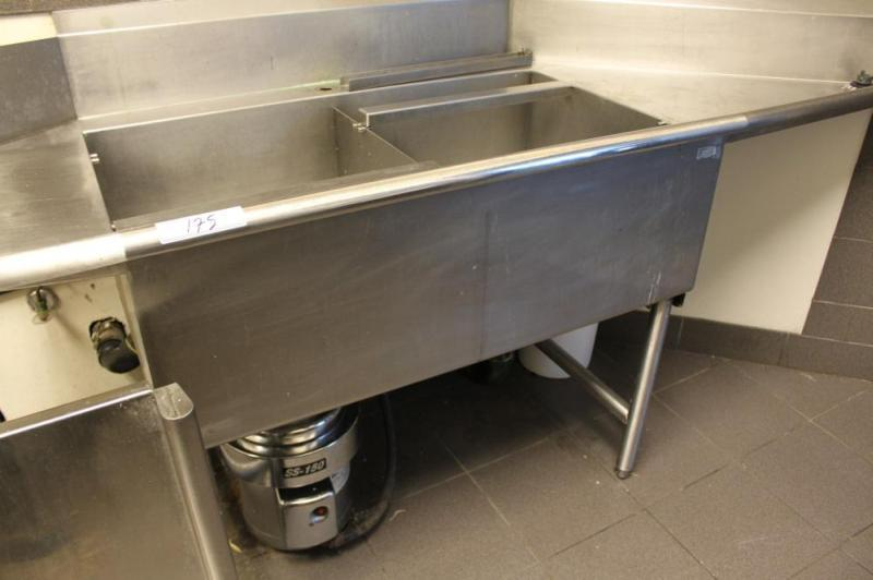 S S Dish Tableing Sink And Garborator