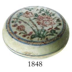 Chinese porcelain lidded powder-box, multi-colored floral design, Ming Dynasty, rare.