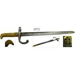 Bayonet-type dagger with scabbard, coat-of-arms of the Republic of Chile on the brass handle (late 1