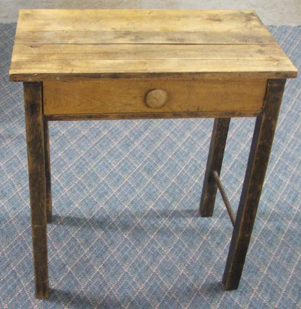 small primitive wooden desk must be picked up rh icollector com small wooden desk clocks small wooden desk organizer