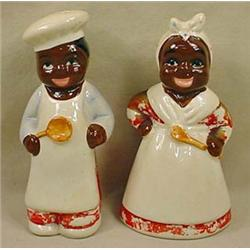 PAIR OF VINTAGE BLACK AMERICANA FIGURAL SALT AND P