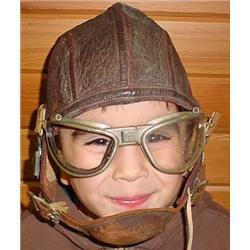 WW2 USN LEATHER FLIGHT HELMET AND GOGGLES - Helmet