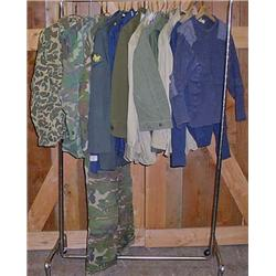 LARGE LOT OF US MILITARY UNIFORMS - WW2 TO VIETNAM