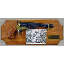 CIVIL WAR REPLICA CAP AND BALL REVOLVER DISPLAY PL