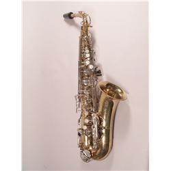 A Selmer Bundy II Brass and Chrome Alto Saxophone,