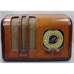 VINTAGE CONELY TABLETOP RADIO - Untested