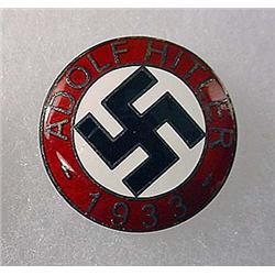 1933 GERMAN NAZI ADOLF HITLER ENAMELED PINBACK - M