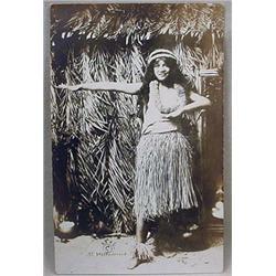 1916 RPPC REAL PHOTO POSTCARD HULA GIRL IN GRASS S