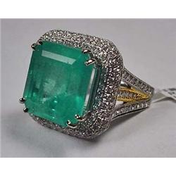 14K White Gold Ladies Emerald And Diamond Ring - C