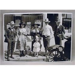 Early Photo Of Pendleton, Or Street Scene W/ Peopl