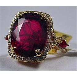 18K Gold Ladies Ruby And Diamond Ring - Comes W/ G