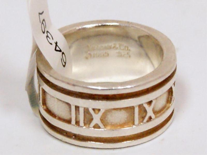 63cf2b186 Loading zoom · Image 1 : Tiffany & Co. New York Roman #s Design Men's Band
