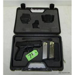 Springfield XD-40 .40cal Semi Auto Pistol w/Access