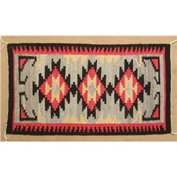 Navajo Traditional Serrated Diamond Design Rug