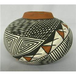 Acoma Fine Line Offset Eyedazzler Design Pottery