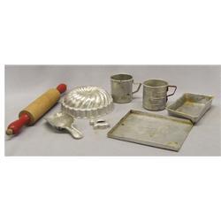 8 Vintage Childrens Aluminum Bakeware Set