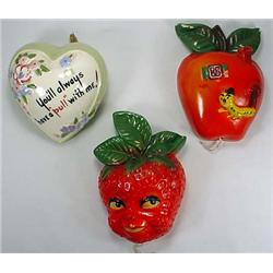 3 VINTAGE STRING HOLDERS - STRAWBERRY, APPLE W/ WO