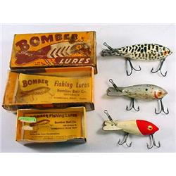 LOT OF 3 VINTAGE BOMBER WOODEN FISHING LURES - IN